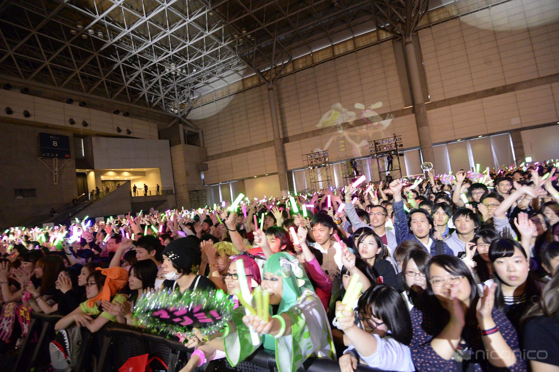 ニコニコ超会議2016「超音楽祭2016」でのシオカラーズライブ 4