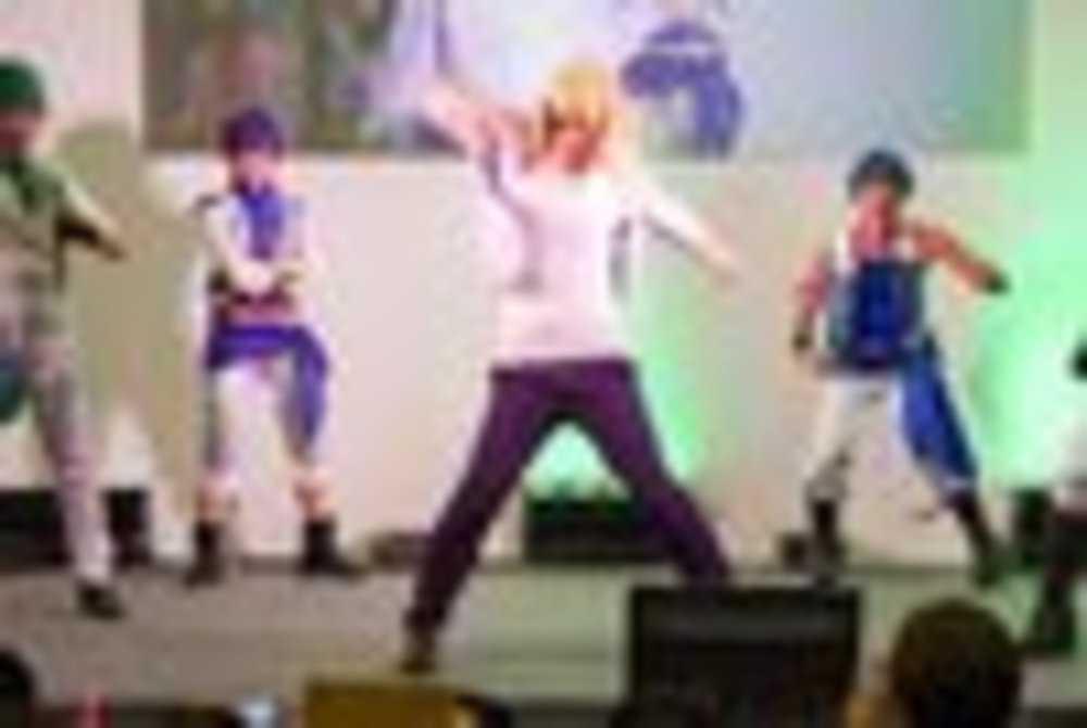 ニコニコ超会議2016 超まるなげステージ「コスつく」パフォーマンス 4