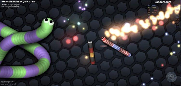 ミミズの育成ゲーム「slither.io」の中毒性がやばい! YouTuberの間で話題に