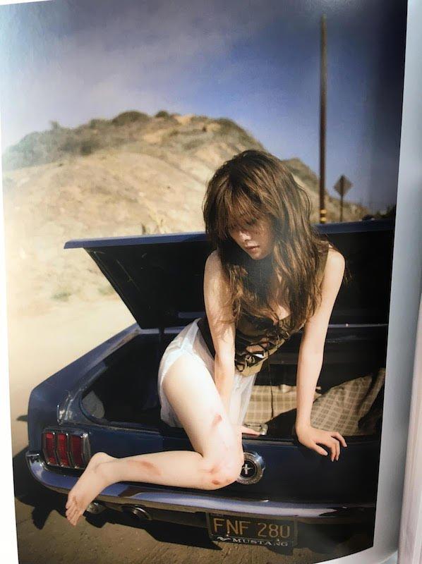 白石麻衣さん写真集『パスポート』 3