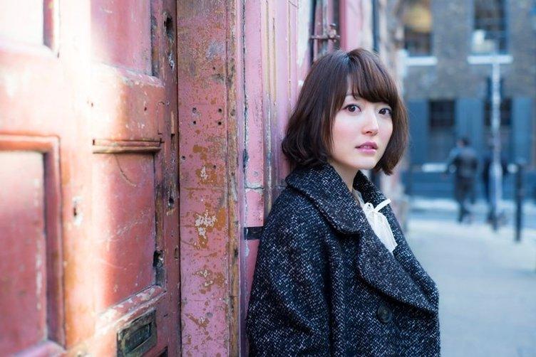 """花澤香菜さん、最新曲に秘密のモールス信号! 『恋サキュ』""""シ抜き""""級の発見"""