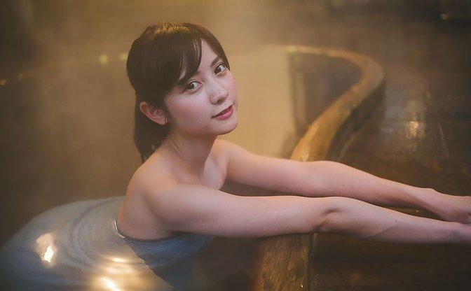 【写真】美人すぎるナース「桃月なしこ」さんと温泉旅