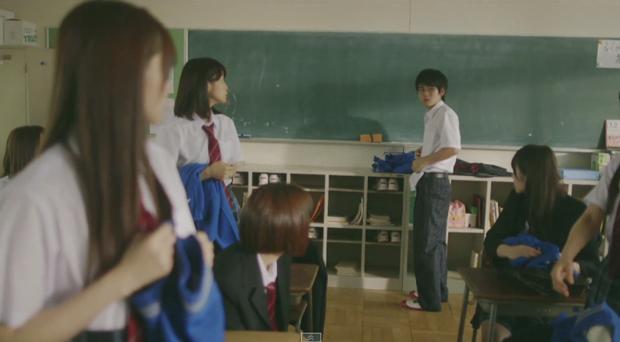 女子校で孤立する男子を描く 乃木坂46「何度目の青空か?」MV公開