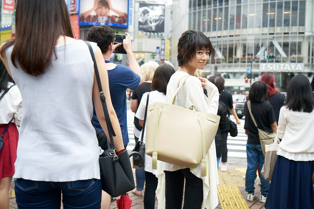 真木よう子、フォトマガジン出版プロジェクト。
