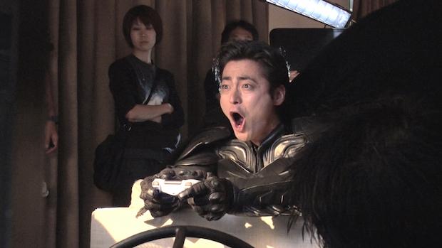 山田孝之がバットマンに変身!? 『デスノート』内で一夜限りの特別CM放送