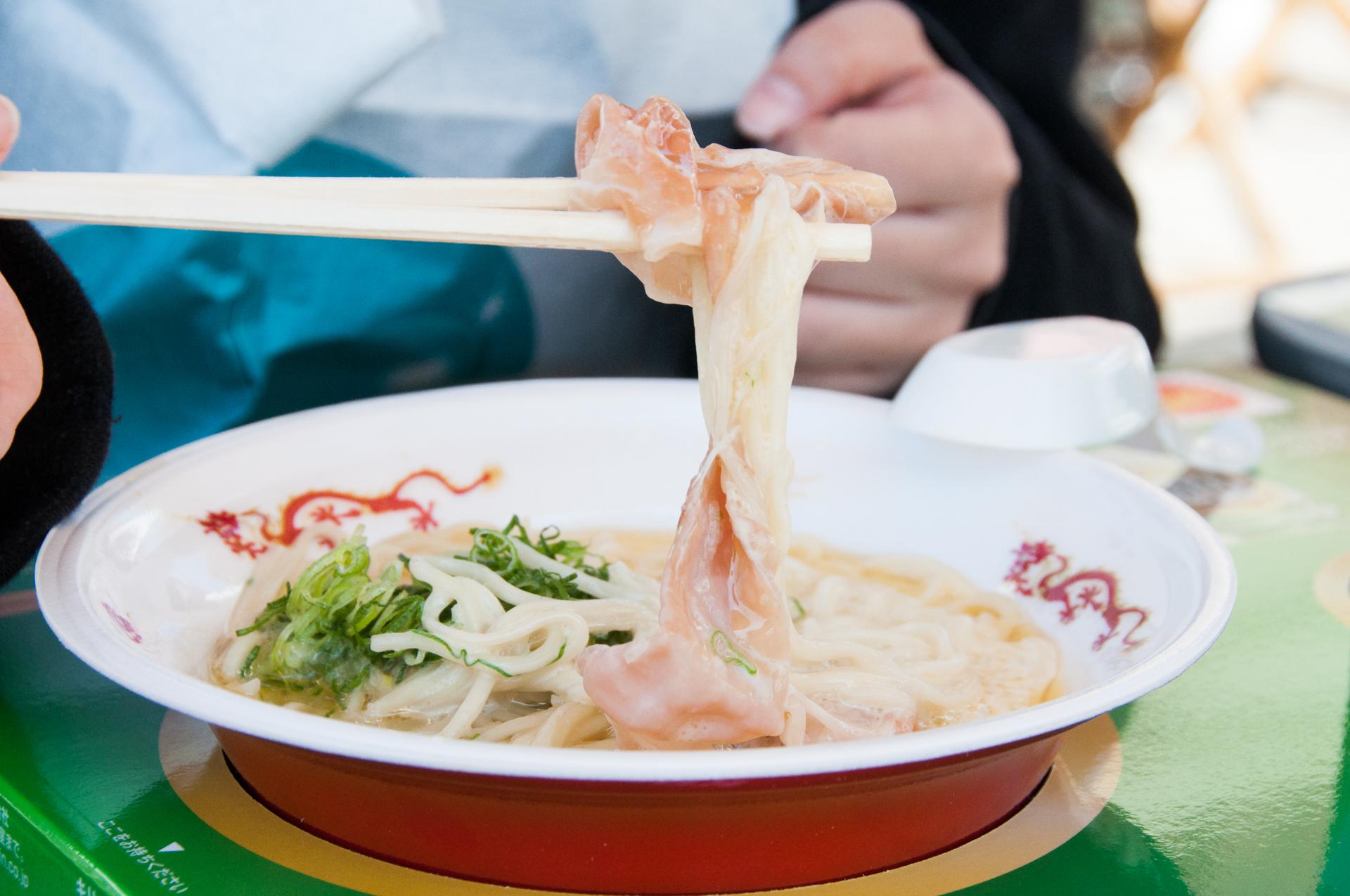 ラーメン女子博 黄金の塩らぁ麺 ドゥエイタリアン「らぁ麺フロマージュ」