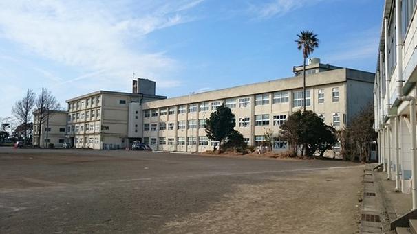 旧三崎中学校・校舎