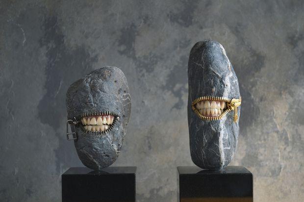 石の中から覗く歯が衝撃的 石材店社長によるストーンアート展「自遊石」