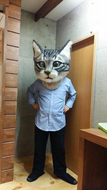 クオリティ高すぎ! 頭にかぶれる「リアル猫ヘッド」がすごい