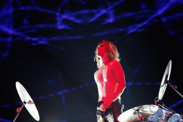 YOSHIKIさん(Drums)