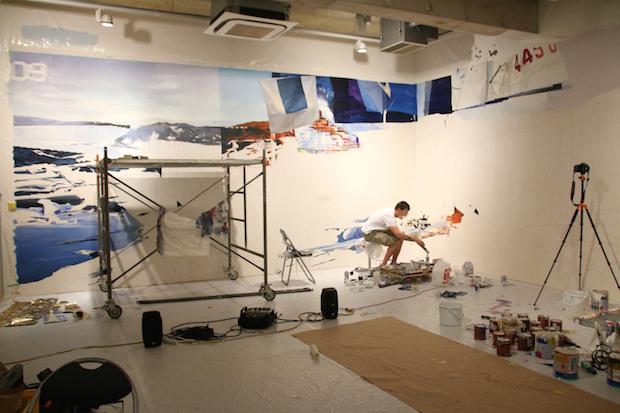終焉後の世界を巨大グラフィティで描く 仏アーティストが麻布で展覧会