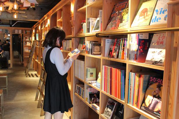 泊まれる本屋 BOOK AND BED TOKYOレポート 店内はどうなってるの?