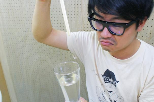中国産の割り箸を2時間、水につけてみた! 7