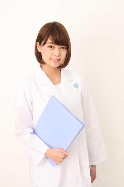 白衣を着たアイドル! Negiccoの理系女子Kaedeが新潟薬科大学の特定研究員に