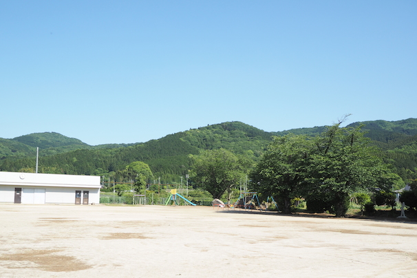 朝日里山学校の校庭