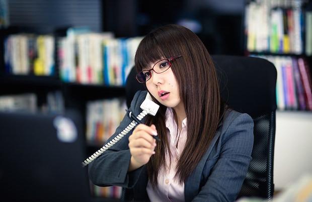 【新入社員 春の珍プレー】電話の保留ボタンがわからずとった行動とは?