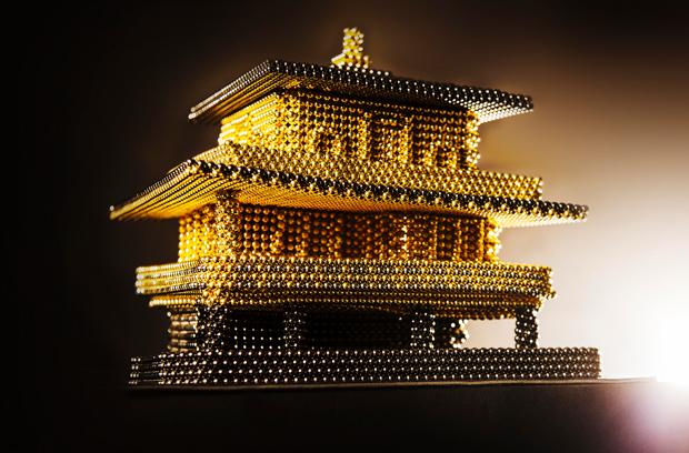 次世代のレゴ「nanodots」でつくった金閣寺がすごい! これが最強磁石の底力