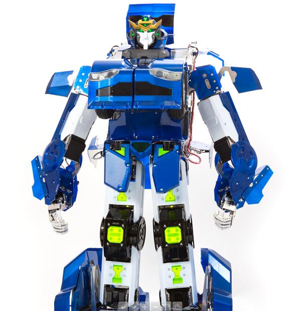 小4サイズの変形ロボットを発表! トランスフォーマー公認企画始動
