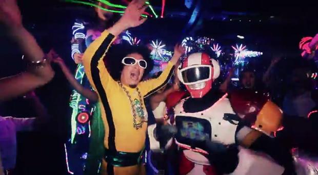 ロボットレストラン撮影のMV「Let's GO! シャンパンマン」がヤバいヤバい!