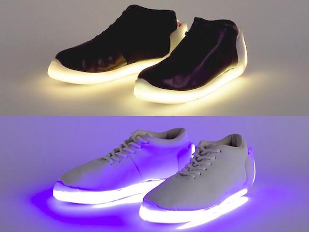 (上段)Black shoes Prototype、(下段)White shoes Prototype