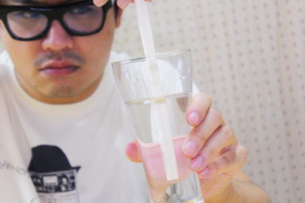 中国産の割り箸を2時間、水につけてみた! 4