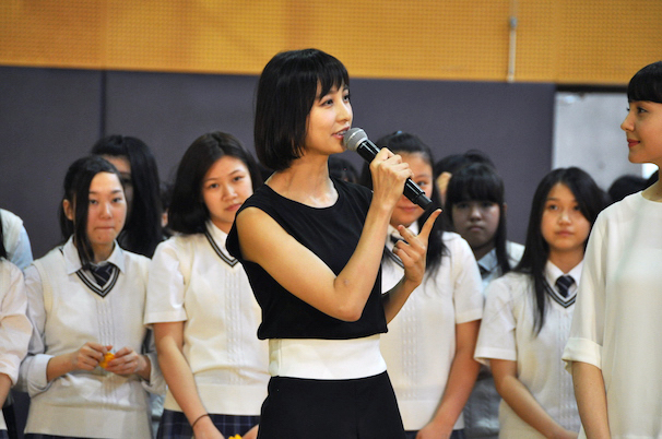 篠田麻里子さん