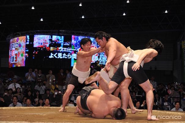 大相撲 超会議場所昨年の様子