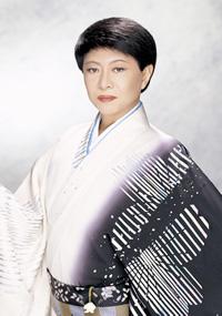 美川憲一さん/画像は公式Webサイトより