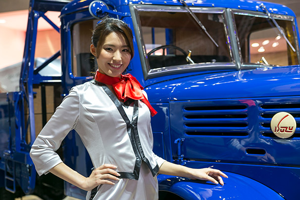 「東京モーターショー2015」美人コンパニオン画像まとめ6