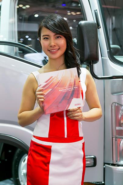 「東京モーターショー2015」美人コンパニオン画像まとめ12