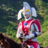 【驚愕】ウルトラの母、今度はハワイで乗馬にチャレンジ