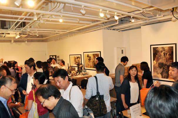 アシュレイ・ウッドのThreeA(3A)日本初個展2