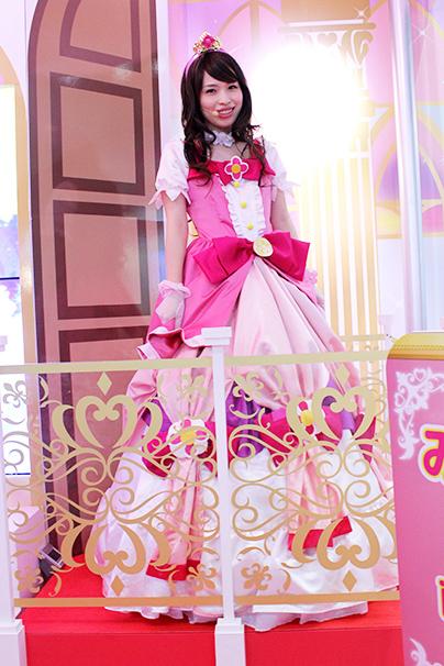 東京おもちゃショー美人コンパニオン写真22
