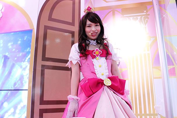 東京おもちゃショー美人コンパニオン写真21