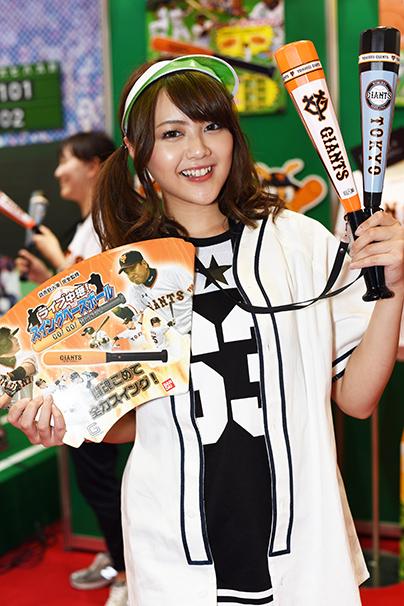 東京おもちゃショー美人コンパニオン写真1