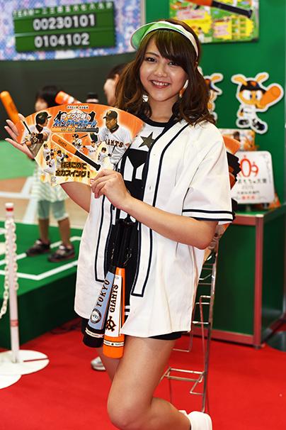 東京おもちゃショー美人コンパニオン写真2