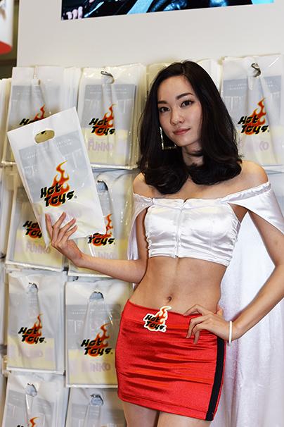 東京おもちゃショー美人コンパニオン写真4