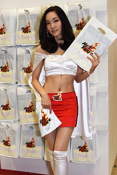 東京おもちゃショー美人コンパニオン写真3