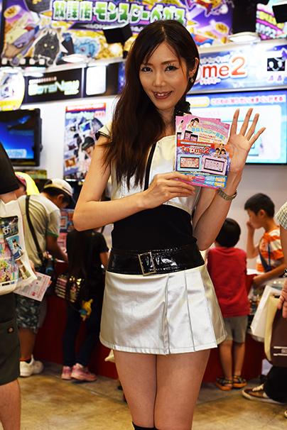 東京おもちゃショー美人コンパニオン写真26