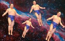 宇宙で相撲!  謎すぎる高見盛コラ画像がひそかな話題に