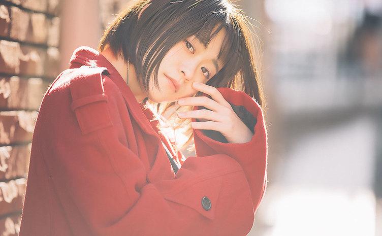 【写真】撮るか撮られるか 富山のモデル「彩雪」さんの優しい眼差し