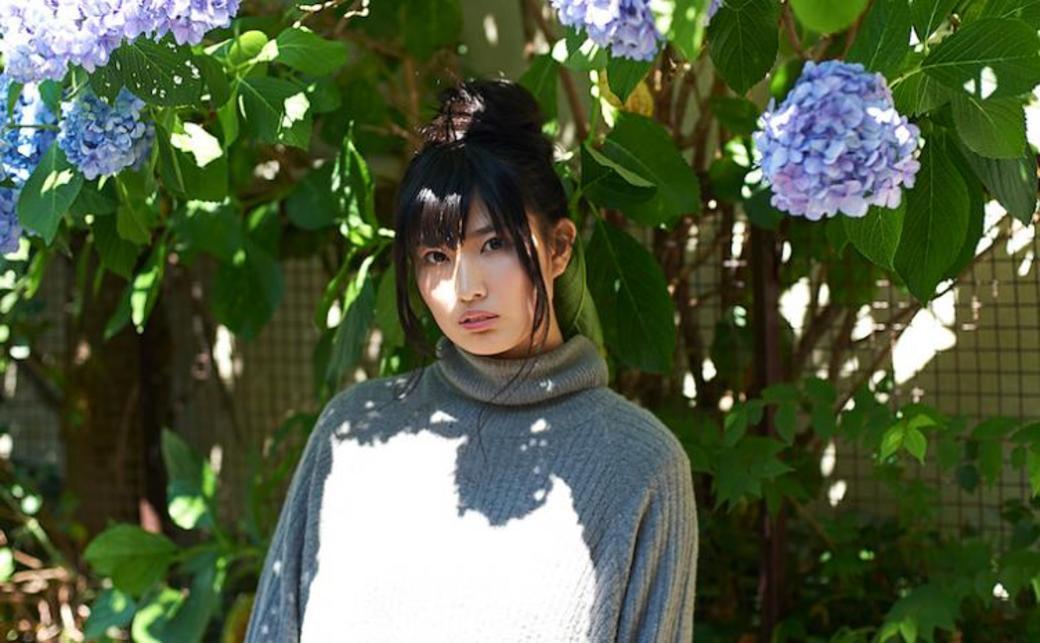 総視聴者数500万人以上 動画配信で人気の女性シンガーshimamoとは?