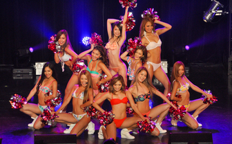 【写真】ビキニ姿の美女軍団がアイドルの祭典に降臨! カオスな「IDOL CLUB NIGHT」レポート