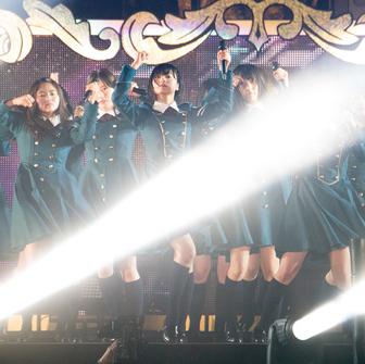 欅坂46「1周年ライブ」レポート 残酷なループに立ち向かい、全身で叫ぶ少女たち