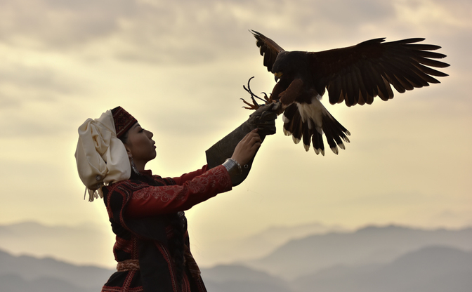 『乙嫁語り』コスプレイヤーが語る中央アジアの魅力 民族衣装の美しさとは?