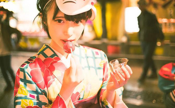 【写真】袴の似合う黒髪美少女「つぶら」さんと、季節外れのお祭り巡り