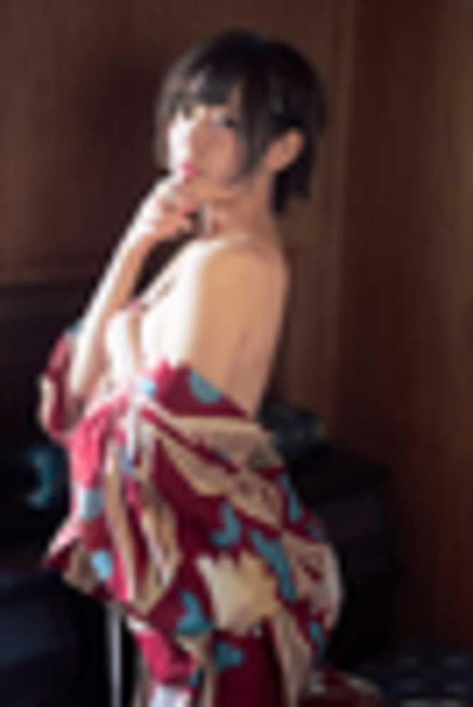 小日向結衣さんの温泉グラビア