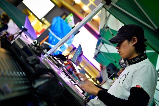 クラウドファンディング募集の資金約190万円で無料入場に!『Re:animation5』が中野駅前広場で4月13日開催