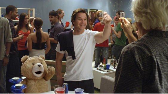 「テッド」が帰って来る 中学生も観られるPG12版含めた新しい2バージョン上映