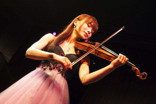 「演奏してみた」の女神! 石川綾子の「あや会」で生演奏を拝んできた